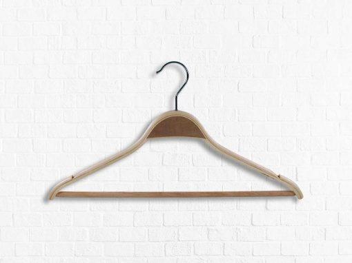 Anzugbügel aus Schichtholz