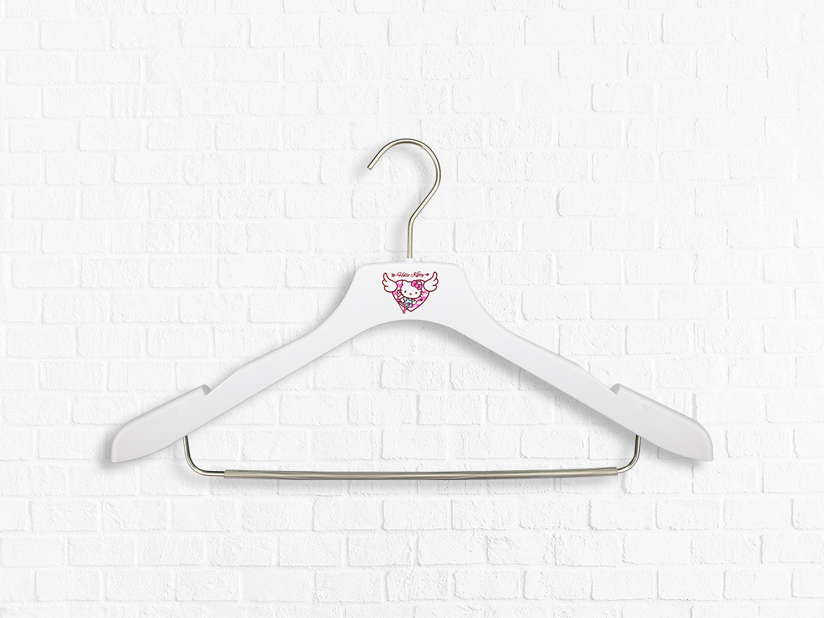 Edle Marken-Kleiderbügel mit namhaften Labels I myHangers
